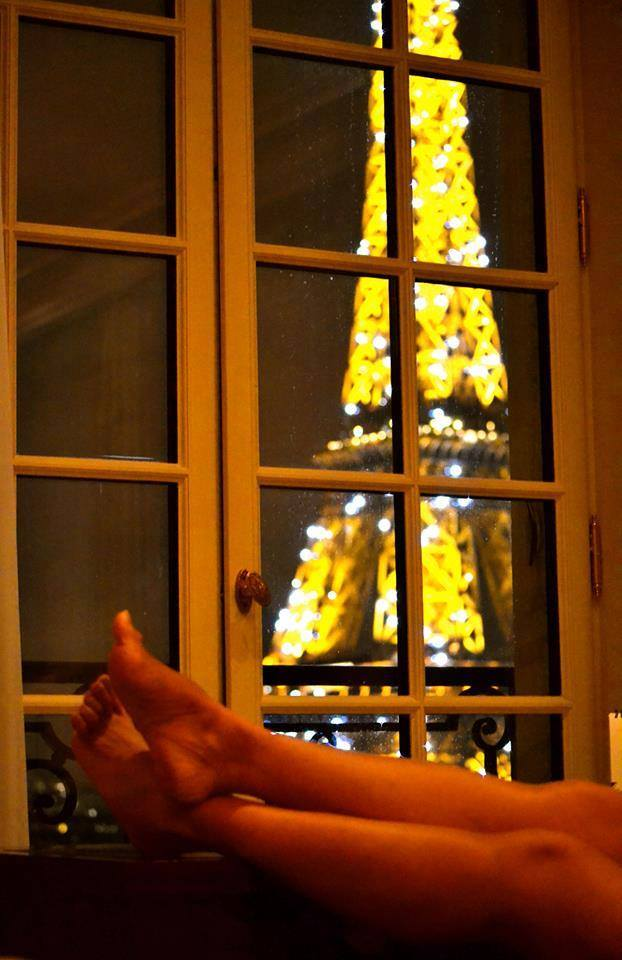 PARIS...was an incredibly healthy experience for me in so many ways.  The more miles I walked each day, the healthier my formerly shattered right foot became.  My excess weight also melted away.  Maybe, it was from excessive use of my brain trying to conquer French? :-)  Paris is the kind of city where you never, ever feel alone...because dining solo is often as enjoyable as dining with a crowd!  It's not an easy city...but it's an inspiring one! I found myself writing volumes about what I saw...what I experienced...and what I wanted to remember forever!